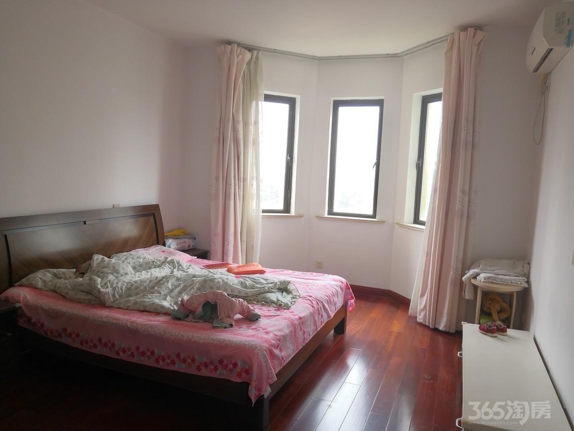 中旅蓝岸国际3室2厅1卫110平米整租精装