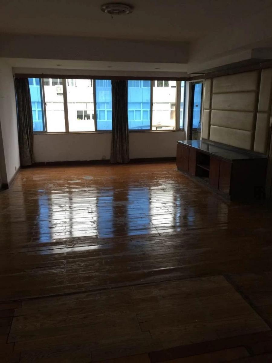 申元街小区2室2厅1卫97平方产权房简装含10平方自建