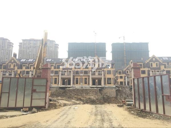 长泰国际社区别墅区工地实景图(2017.10 摄)