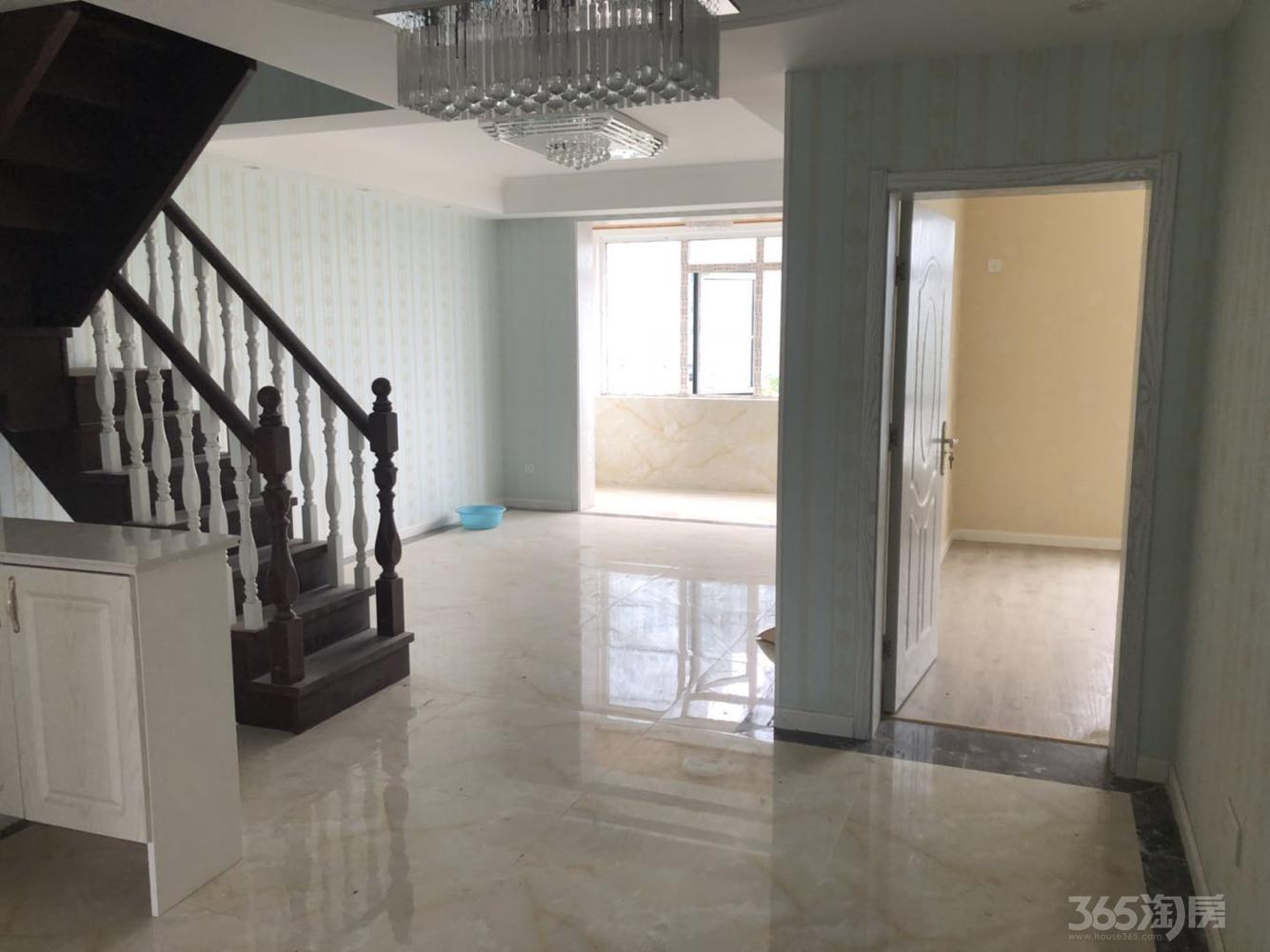 龙池翠洲4室2厅2卫132.9平米精装产权房