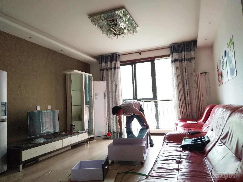 白桦林居3室2厅1卫138平米整租精装