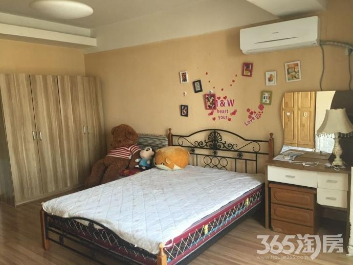 龙江地区辰龙广场1室1厅1卫50㎡整租精装