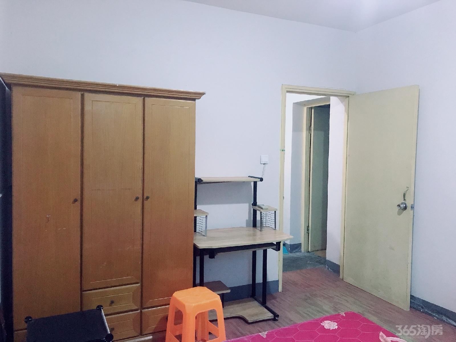 新顾村大家园D区3室1厅1卫20平米合租中装