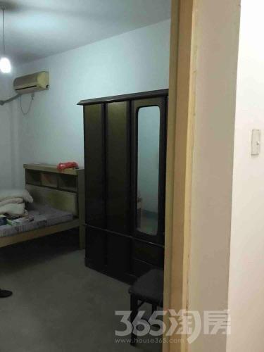 龙山新苑3室2厅1卫118平米整租简装