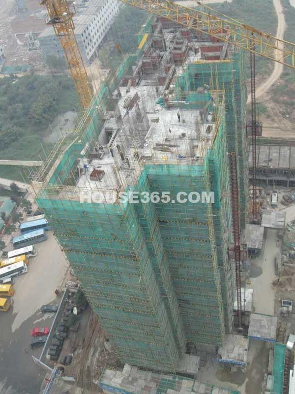 富力城南区施工进度图(摄于2012年10月)