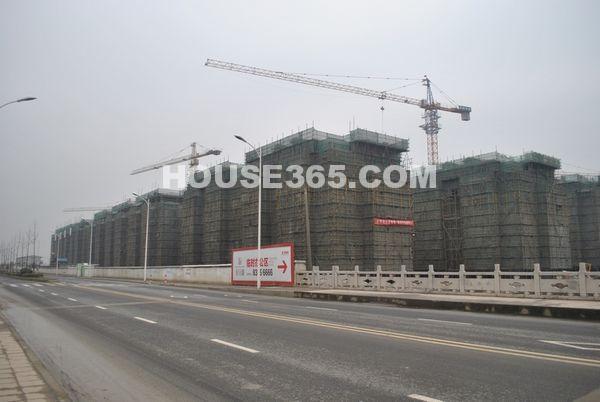 栖霞东方天郡在建工程(2012.7摄)