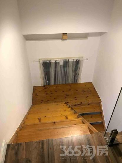 丽景苑4室2厅2卫160平米精装产权房2002年建满五年