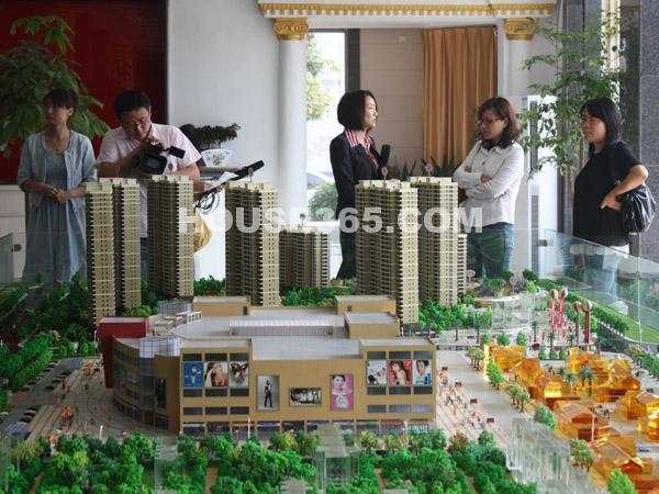 宝龙城市广场媒体准备采访