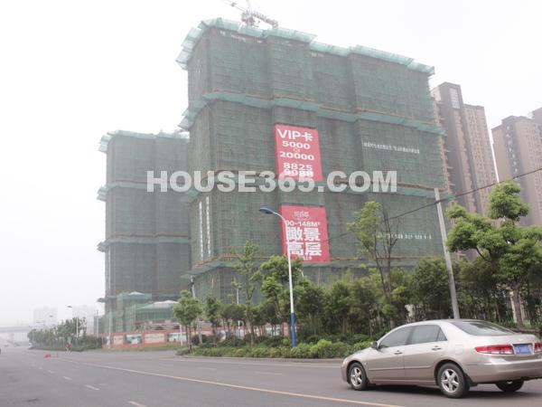 18#、23#楼工程进度(2011.8.4)