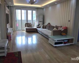 兰荷苑3室2厅1卫98平米精装产权房2012年建