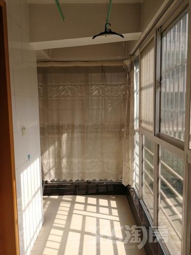 EE康城2室2厅1卫86平米整租中装