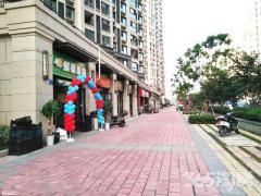(出售) 孔雀城小区大门口第2间 纯一楼 可餐饮 可开超市