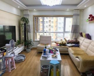 新出 北京东路 南外对面 公教一村大三房 出租精装修