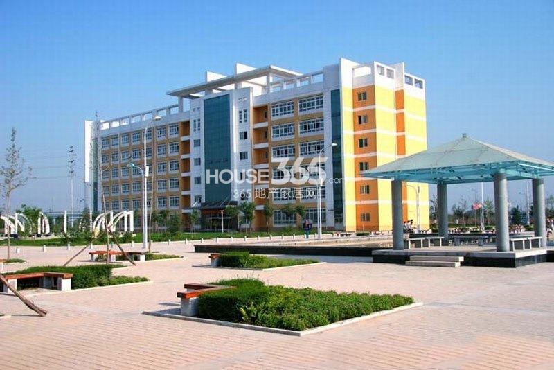 国润城周边-陕西中医学院(2013年4月9日)