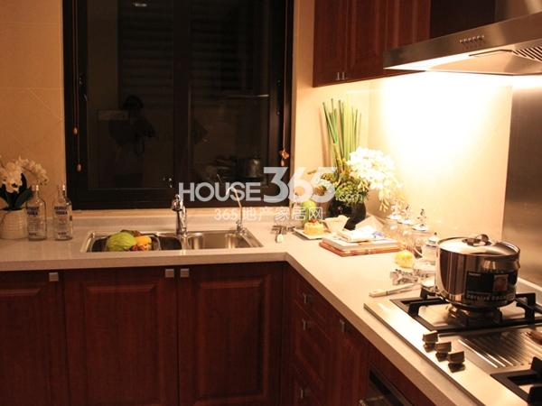 135平米样板间实景-厨房