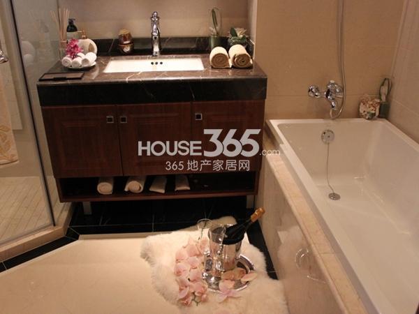 135平米样板间实景-卫浴