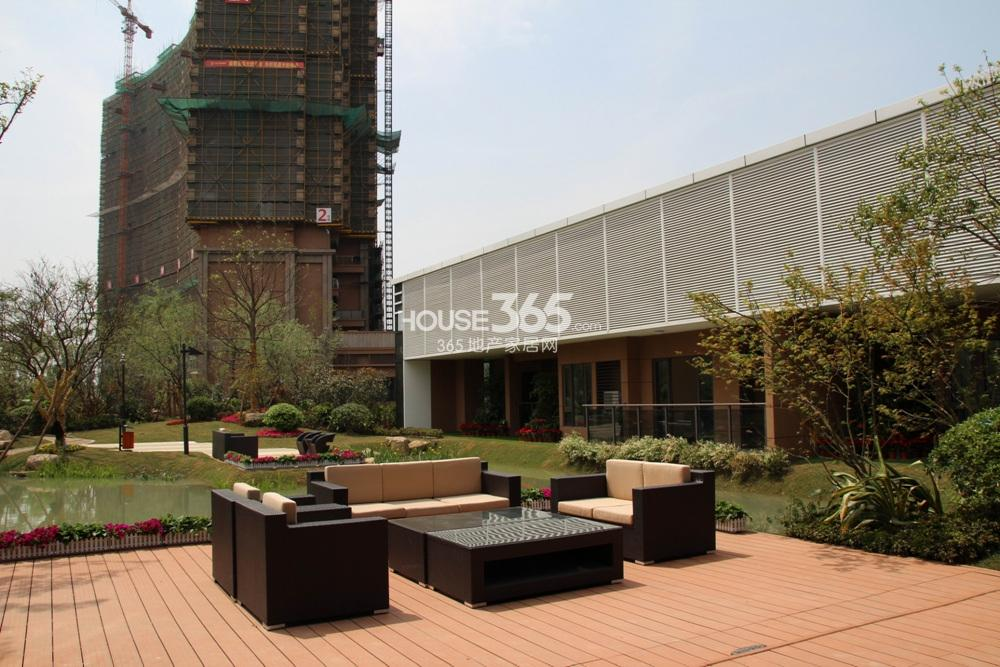 2013年5月中旬越秀星汇城项目现场实景图