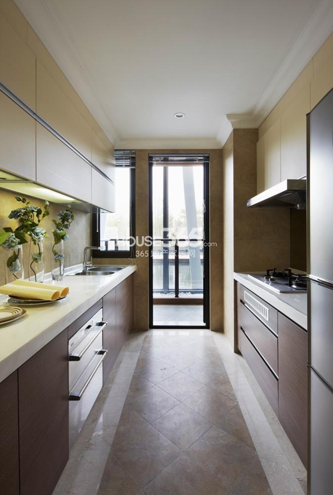越秀星汇城140方样板房 D户型--厨房