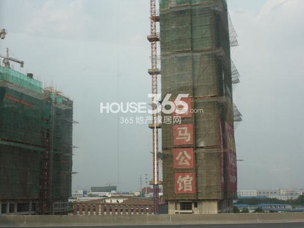 2013.6月高架上看楼栋进度实景
