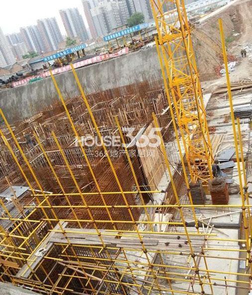 新福兴面孔公社10#楼工程进度图(2013.5)