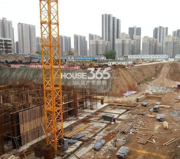 新福兴面孔公社施工现场(2013.5)
