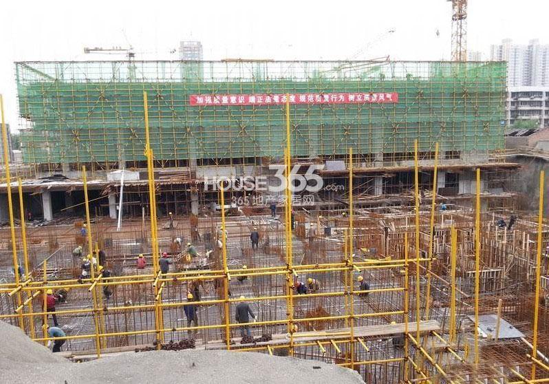 新福兴面孔公社10#和13#楼工程进度图(2013.5)