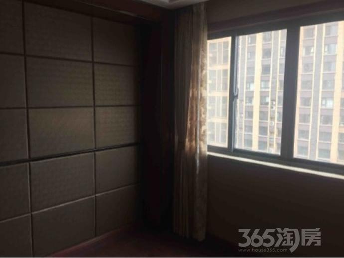 东方城3室2厅2卫115平米豪华装产权房2016年建