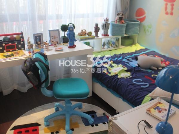 B户型 三房两厅两卫 110平——儿童房