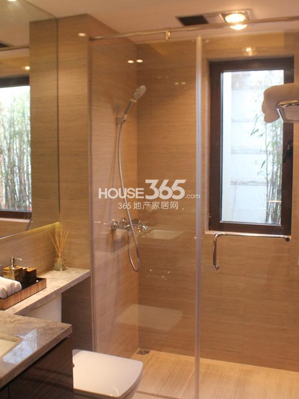 B户型 三房两厅两卫 110平——卫浴