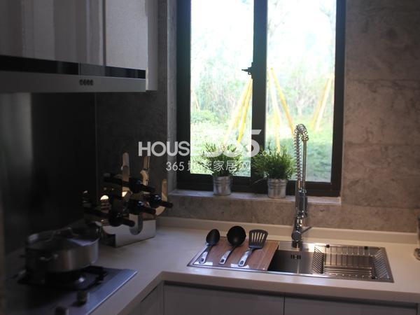 D户型 三房两厅一卫 86平——厨房