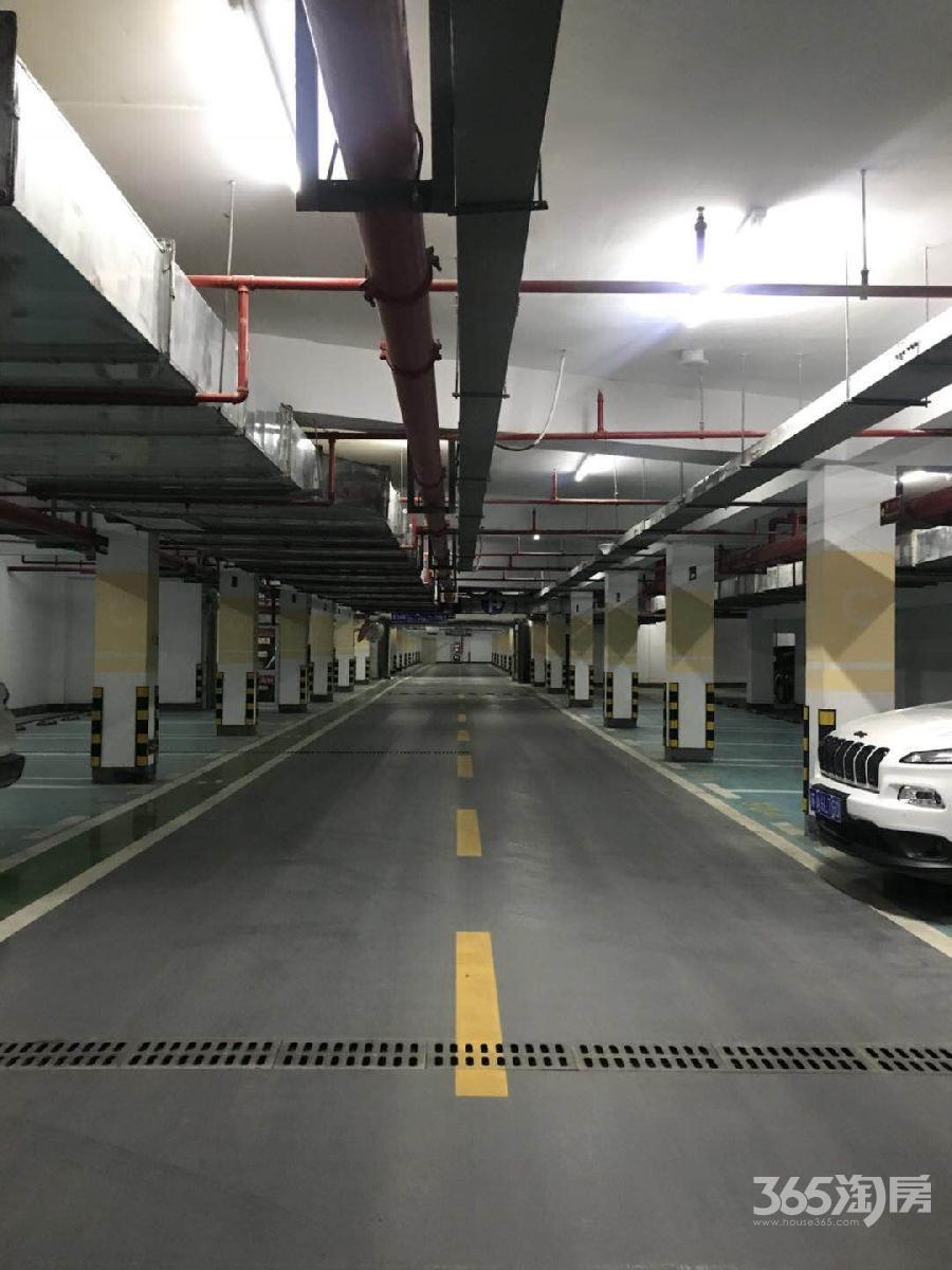 世茂招商语山14平米车位产权房