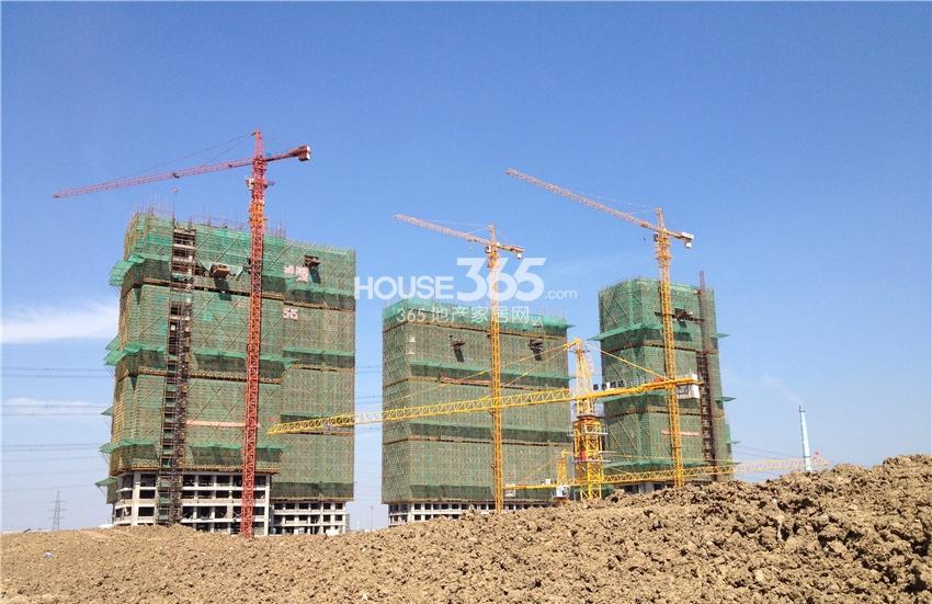 翠屏九溪诚园左起11、13、10号楼在建(10.2)