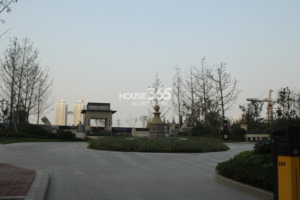 世茂外滩新城社区内部景观(11.11)