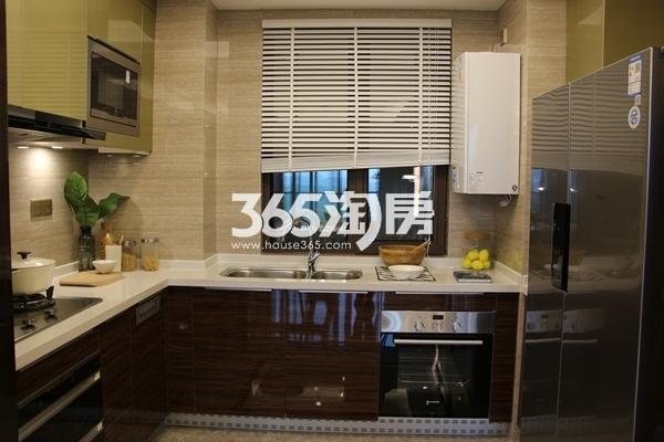 富力运河十号125平洋房样板间厨房