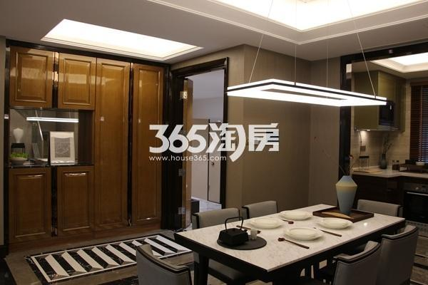富力运河十号155平小高层样板间餐厅