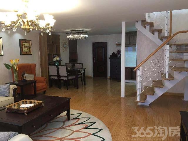苏滁汽车生活广场2室2厅2卫60�O2015年满两年产权房精装