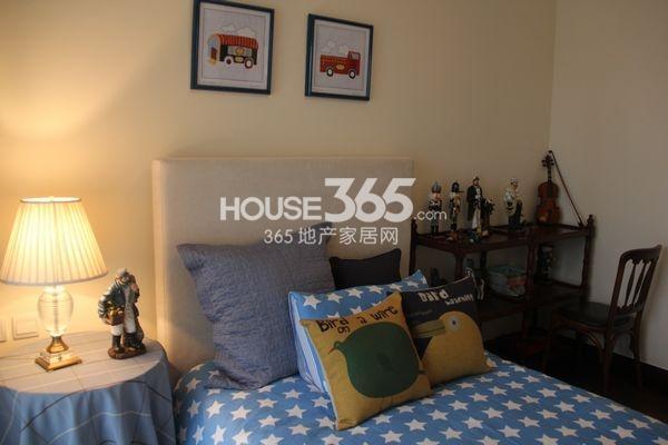 朗诗太湖绿郡176平样板间卧室