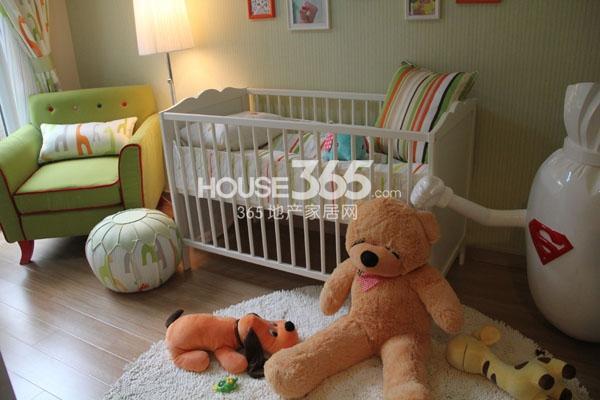 万科VC小镇86平米户型婴儿房