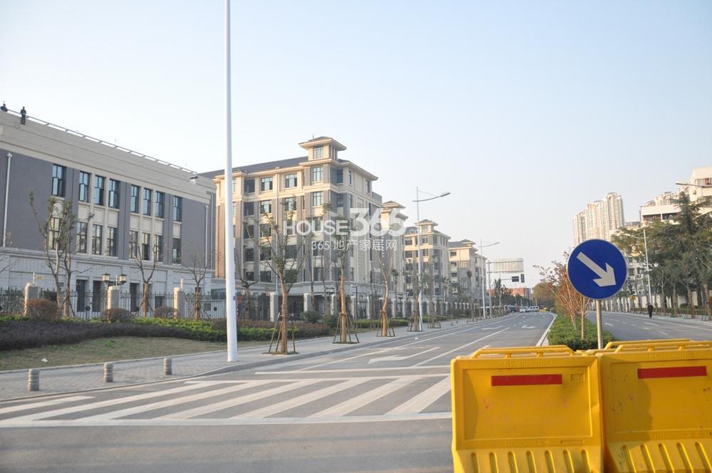 恒盛金陵湾附近树人国际学校(12.26)