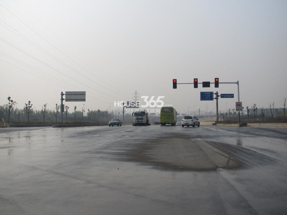 雅居乐滨江国际周边道路实景图(12.26)