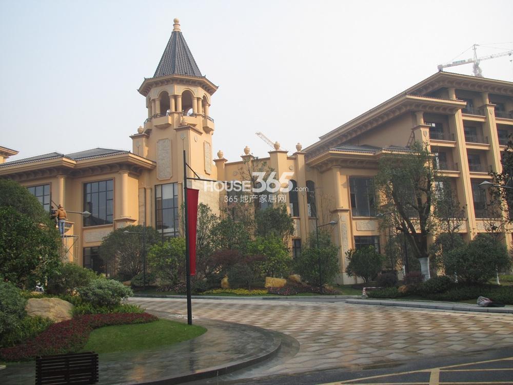 雅居乐滨江国际售楼处(12.26)