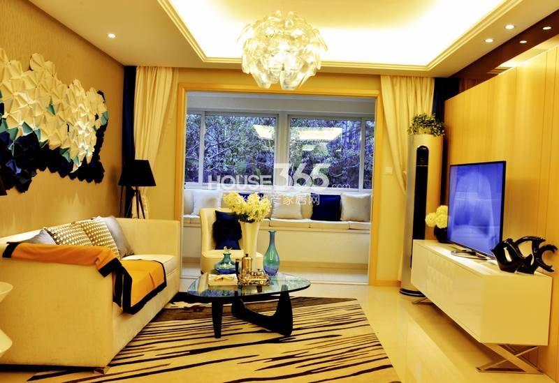 白桦林明天B户型两室两厅一卫90㎡客厅样板间