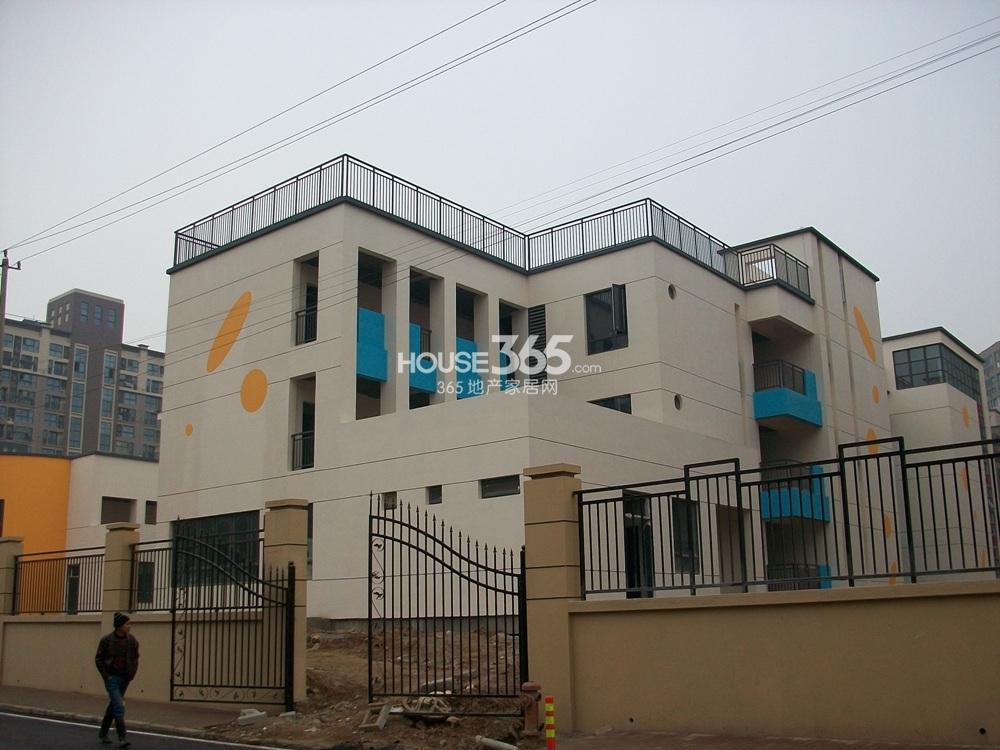 银亿东城北面第一幼儿园实景图(2.15)