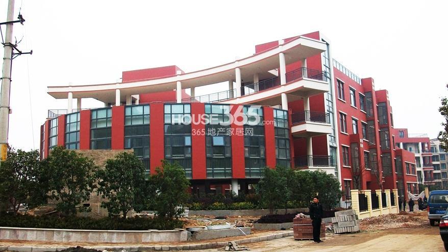 银亿东城北面的游府西街小学实景图(2.15)