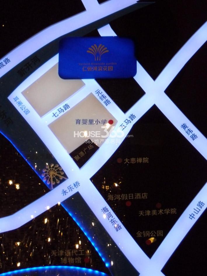 仁恒河滨花园交通图