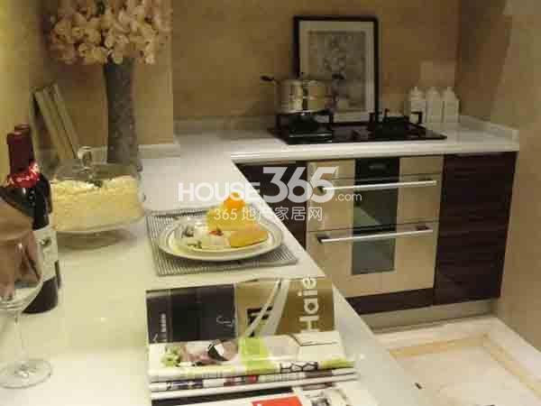 长泰国际社区140㎡样板间厨房实景图