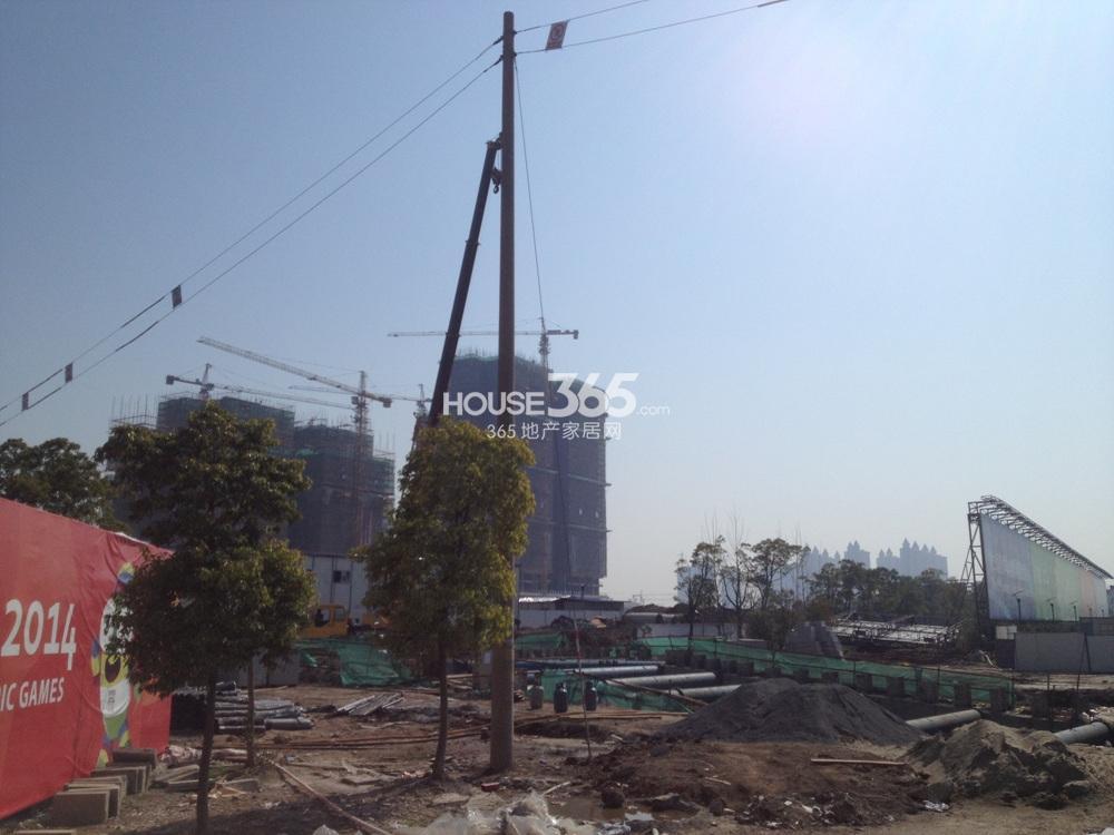 东方万汇城附近在建地铁(4.25)