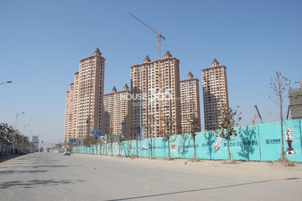 雅居乐滨江国际在建楼栋实景图(4.25)