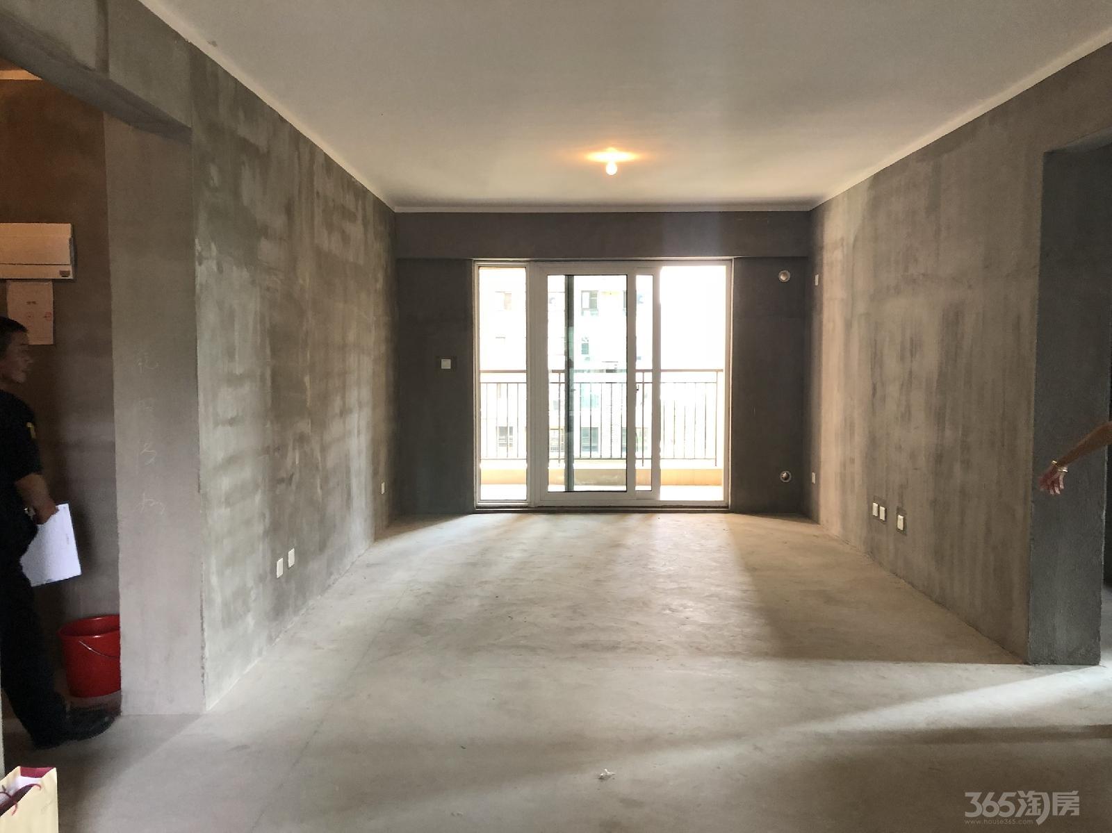 雅居乐涟山3室2厅2卫122平米毛坯产权房2018年建满五年