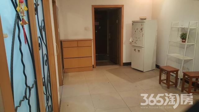 竹山路小区3室2厅1卫100平米整租精装
